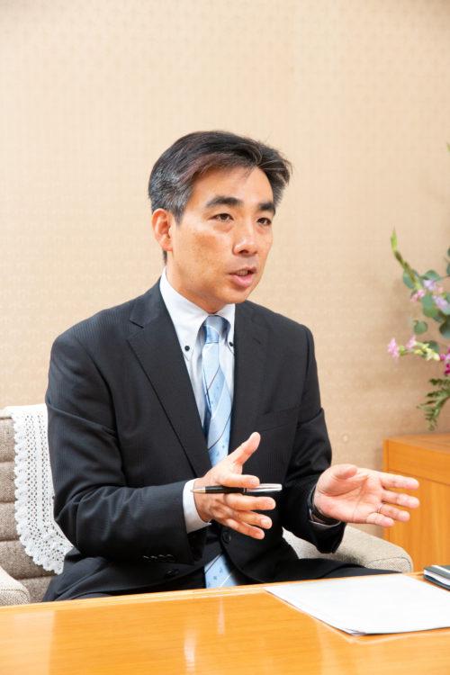 石井登志郎・西宮市長